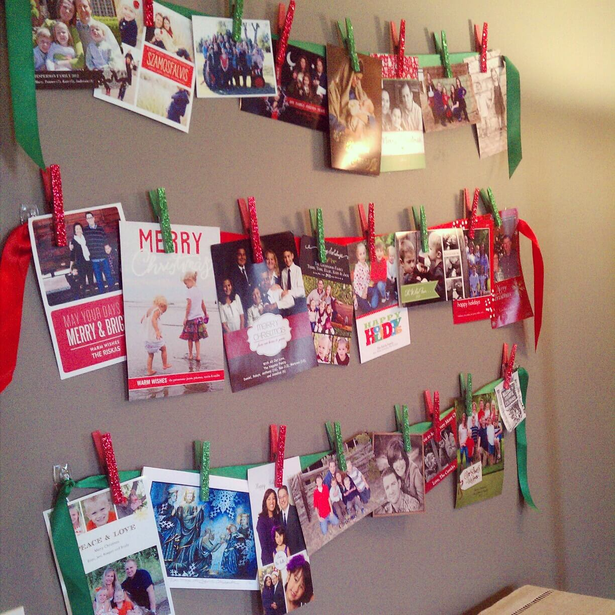 3 Creative and Festive Ways to Display Christmas Cards