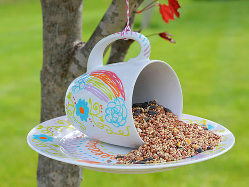 8 DIY Birdfeeders To Fill Your Garden With Birds
