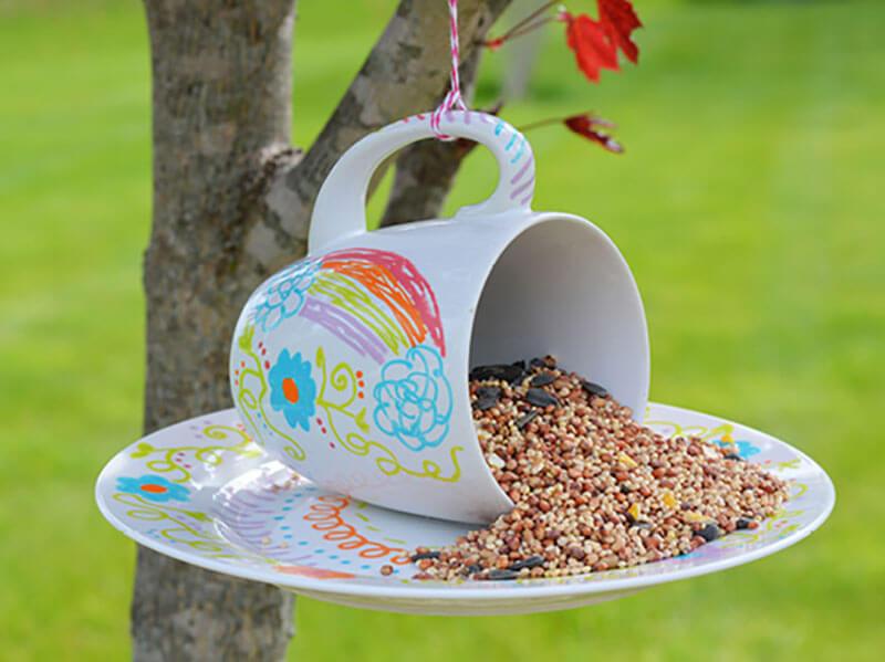 8 DIY Birdfeeders To Fill Your Garden With Birds