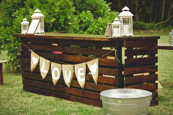 7 Fun and Easy DIY Outdoor Bar Ideas