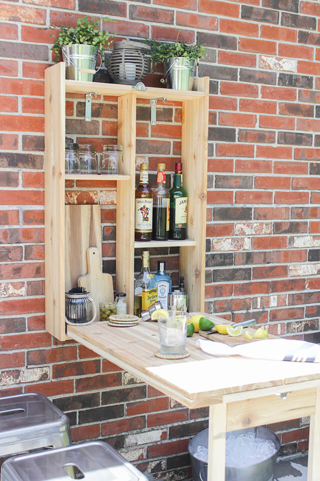 Do it yourself: an outdoor backyard bar for the patio
