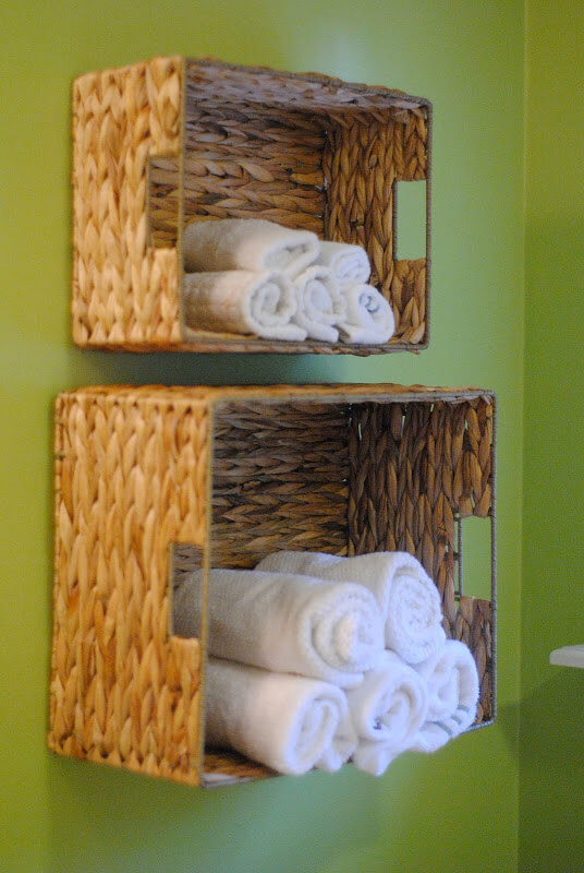 Bathroom redo: towel racks DIY
