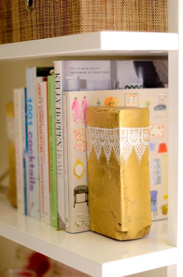 Golden simple ideas for your dorm room. Image Source: Her Campus