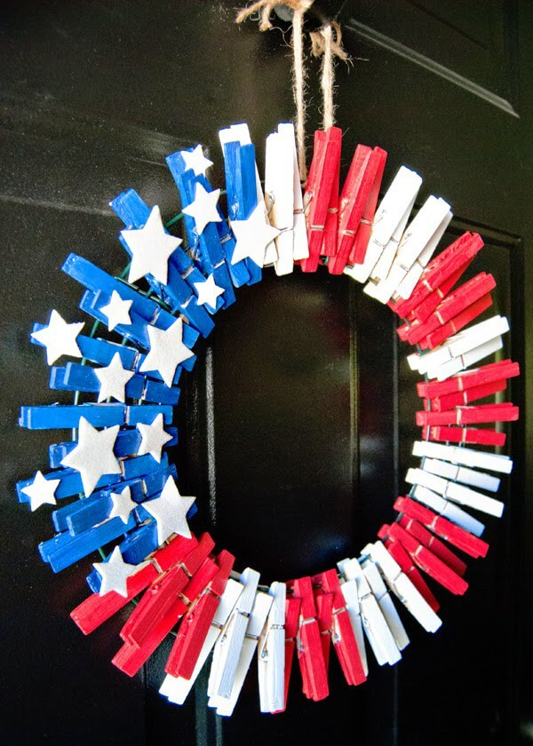 4th of July wreaths made from clothespins