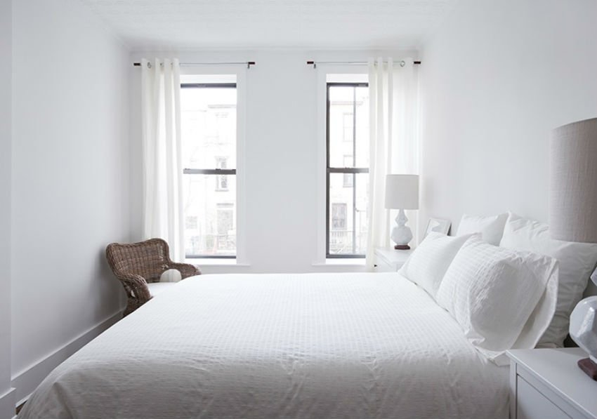 Keep bed lining clean and neat so buyers feel like they want to sleep in the bedroom. Image Source: Nbaynadamas