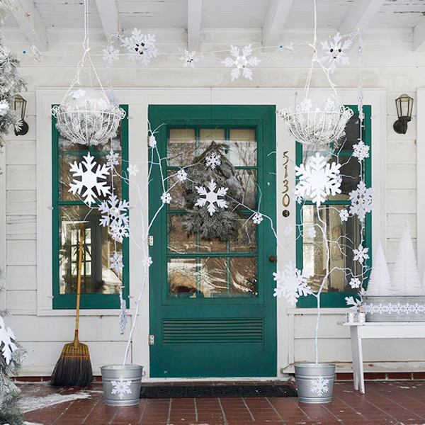 Snowflakes are the perfect way to decorate for the holidays, no matter what style of home you have!
