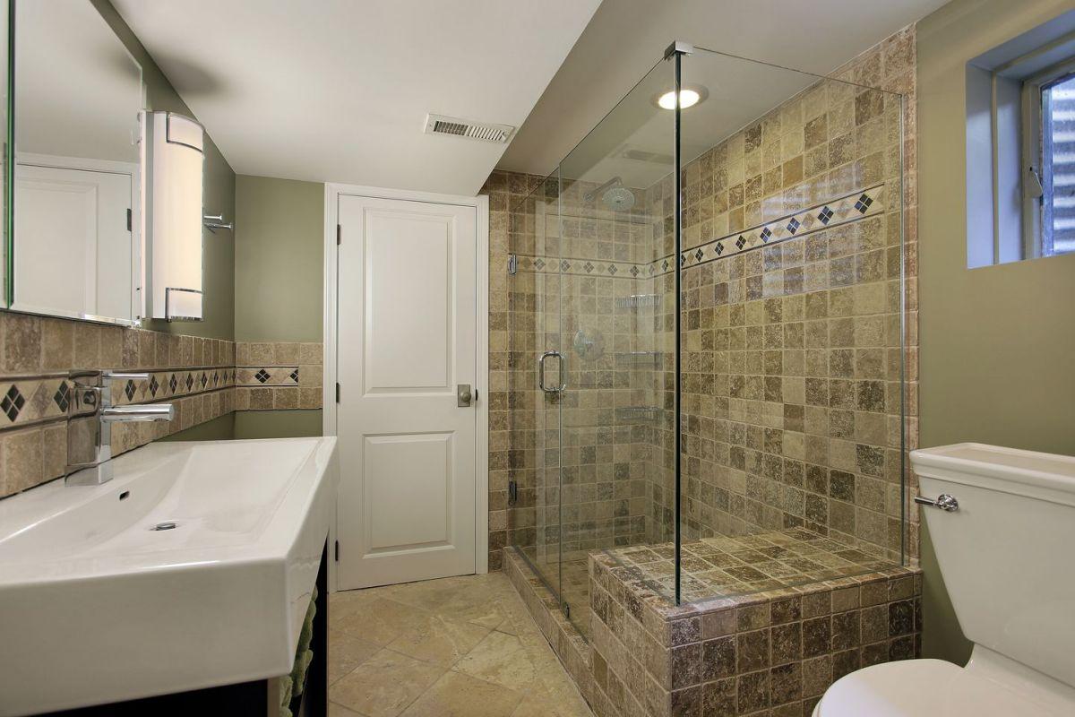 Coming Clean: Choosing Between Showers and Bathtubs