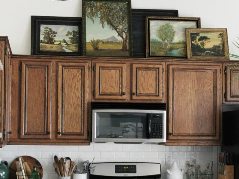 How to Decorate Above the Cabinets