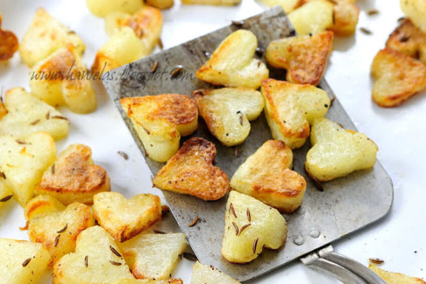 These heart-shaped roasted potatoes are the perfect side dish for your Valentine's Day dinner!