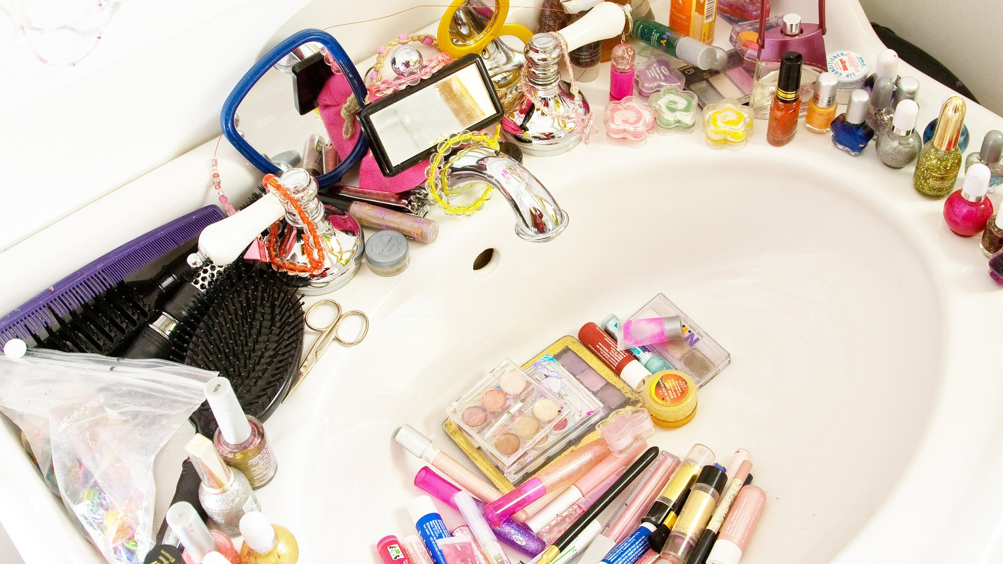 Getting clutter out of your bathroom is a necessary step to creating a clean, organized room.
