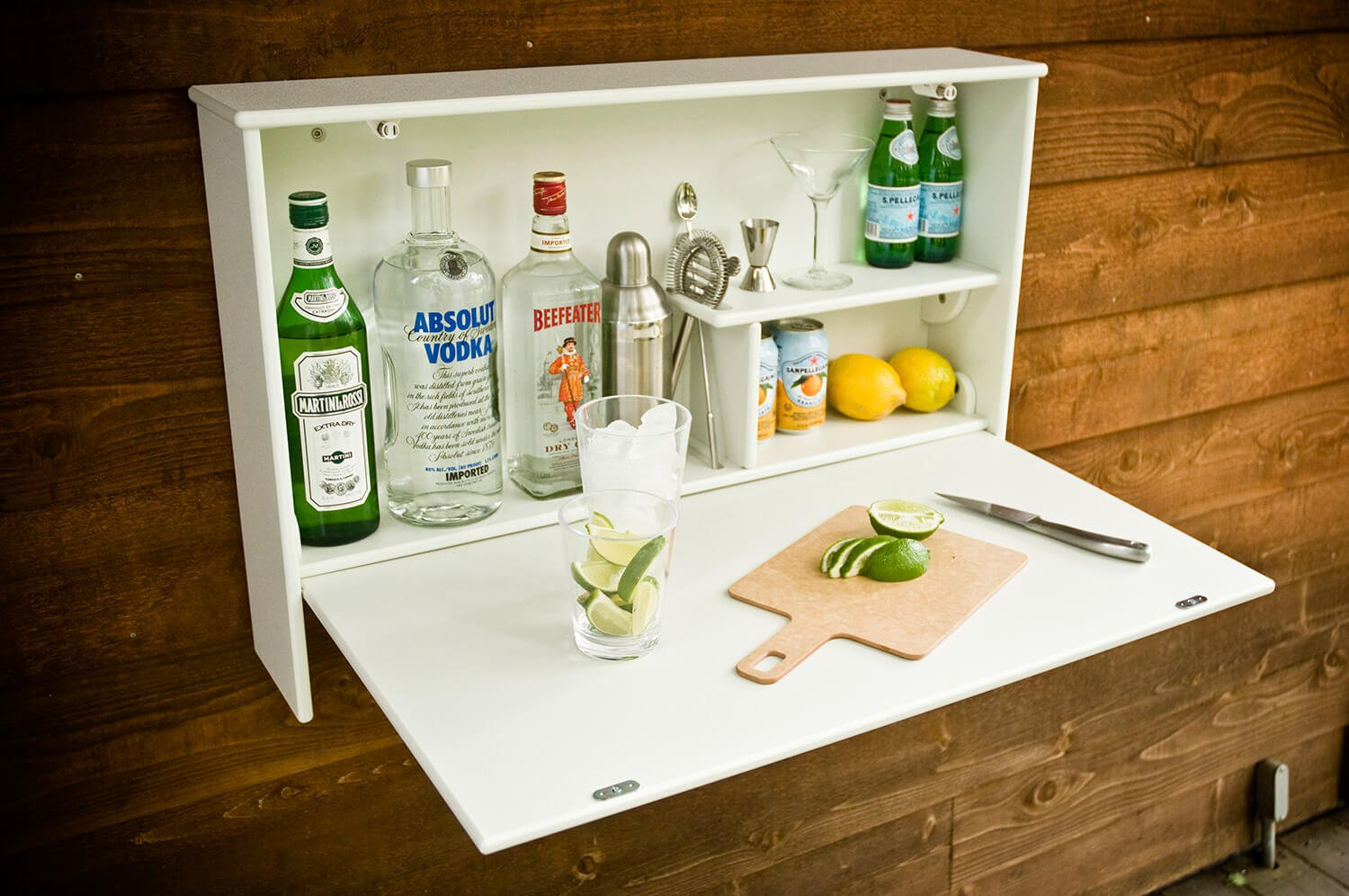 Do it yourself! A fold-down outdoor bar.