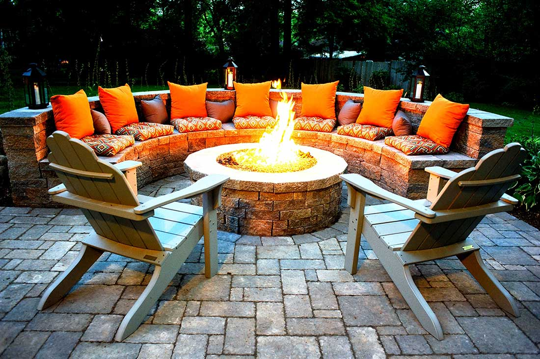 Relaxing backyard fireplaces