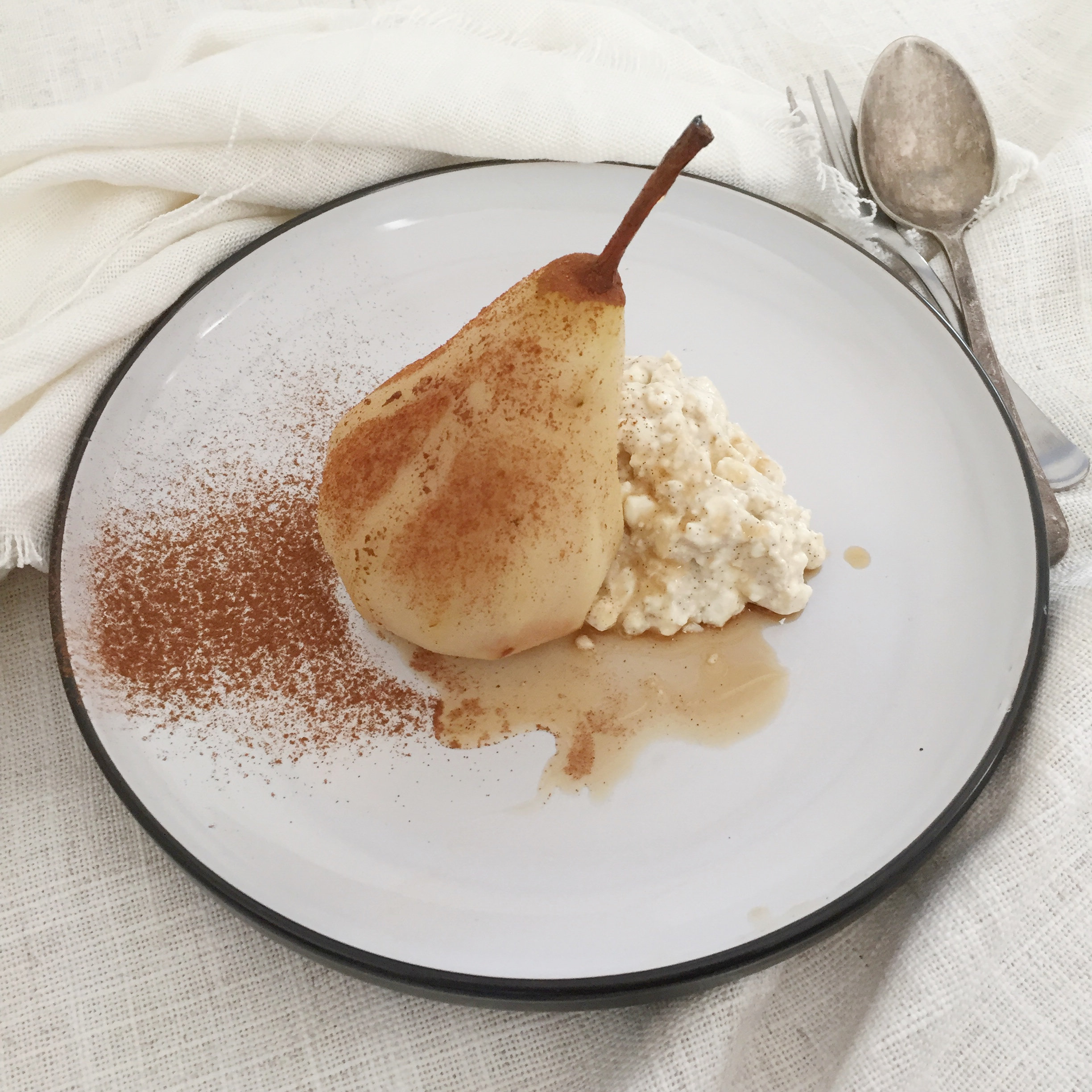 http://www.thehealthyjourney.com.au/maple-and-cinnamon-poached-pears-with-vanilla-whipped-ricotta/