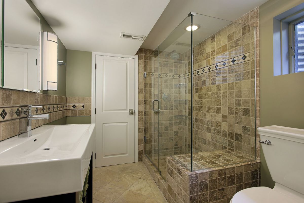 Coming Clean: Choosing Between Showers and Bathtubs