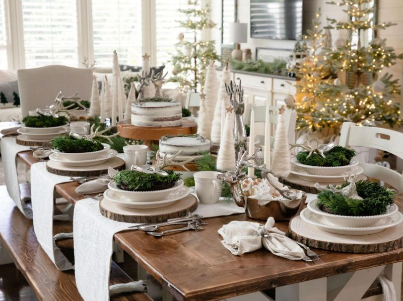 7 Bright Christmas Centerpiece Ideas