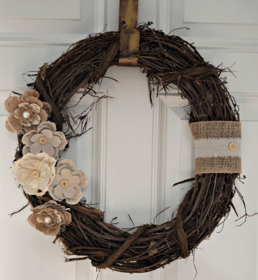 This farmhouse-style wreath looks beautiful! Source: Our Home Made Easy