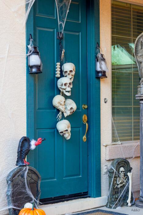 Super spooky Halloween decor
