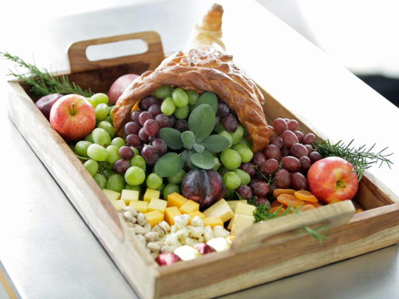 Edible centerpieces will always be welcome among guests. Source: HGTV