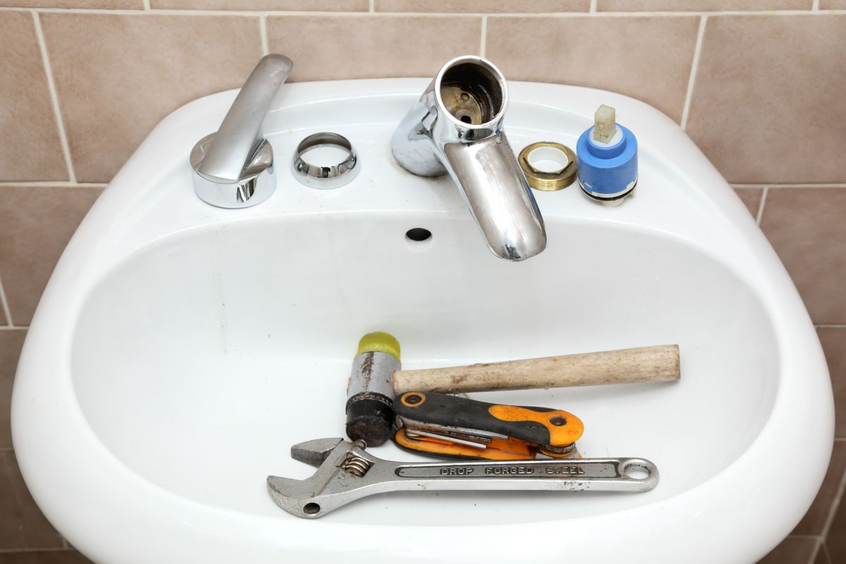 4 Reasons to Hire a Handyman
