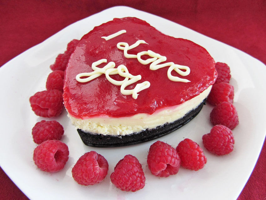 Most people love cheesecake, so why not make it into a heart?