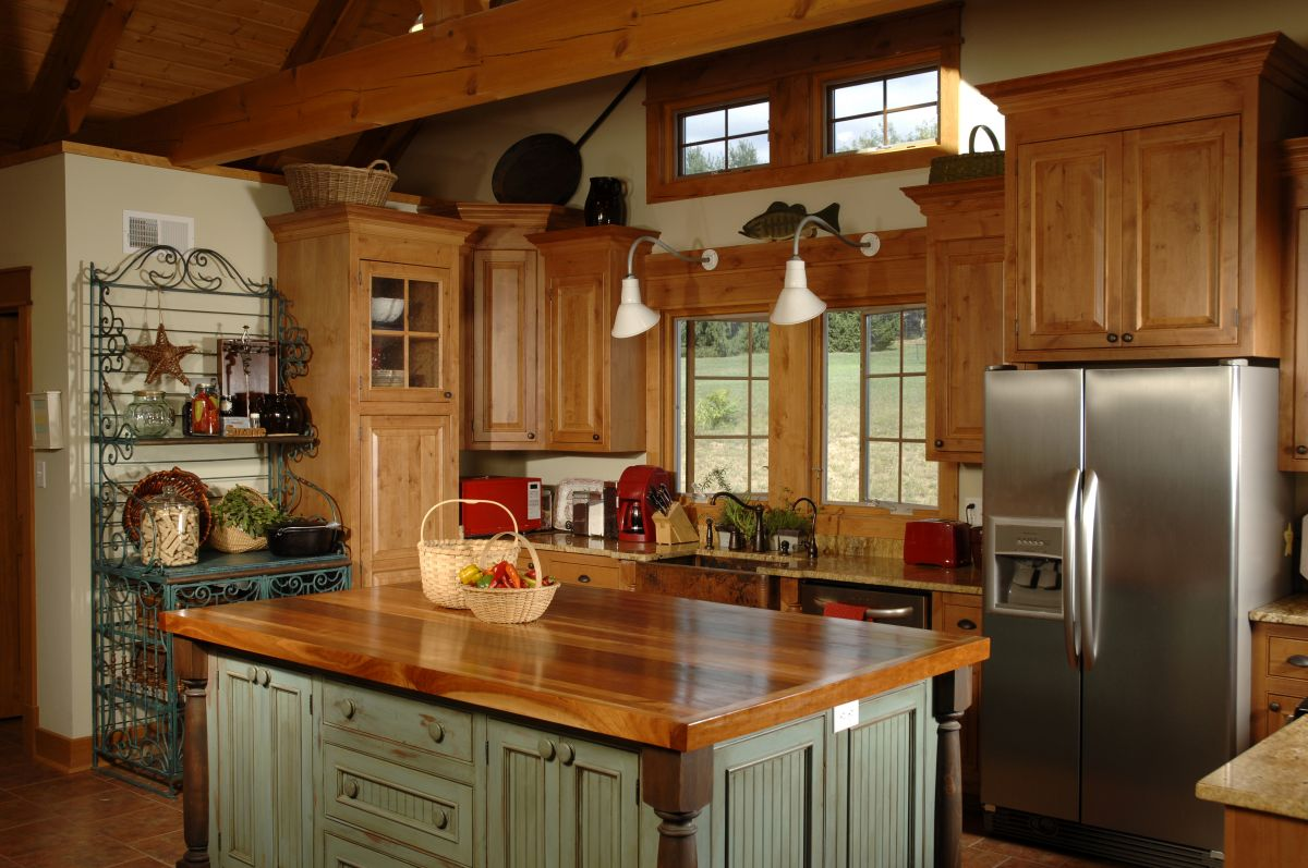 Expert Tips For Glazing Kitchen Cabinets That You Can't Mess Up