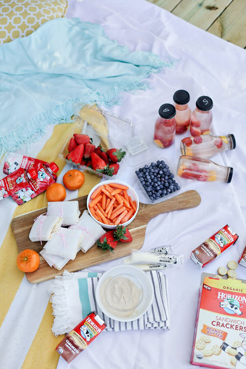 Plan a Mother's Day picnic to spend time with your mom!
