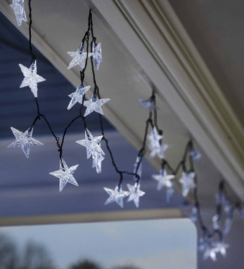 Star-shaped string lights are perfect for holiday decor! Source: Pinterest