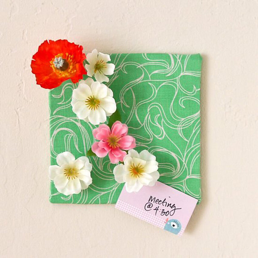 DIY flower push pins are perfect for your bulletin board!