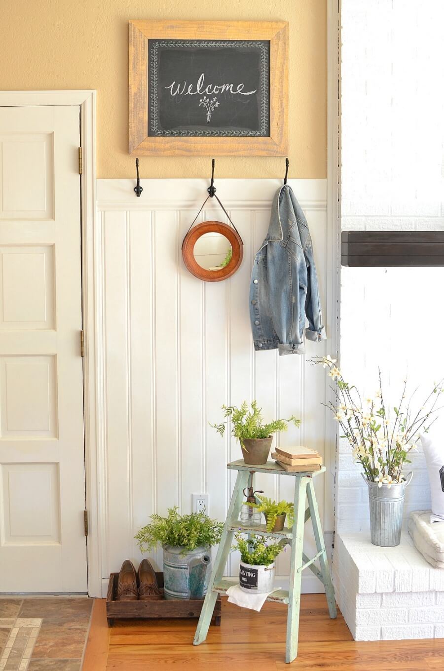 Put Seasonal Touches to the Entryway
