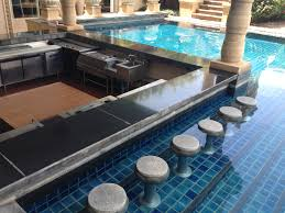 Always classy with a swim-up bar in the pool