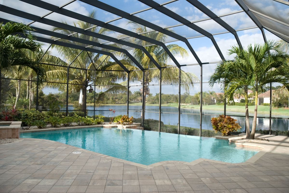 Indoor swimming pools for the best looking homes