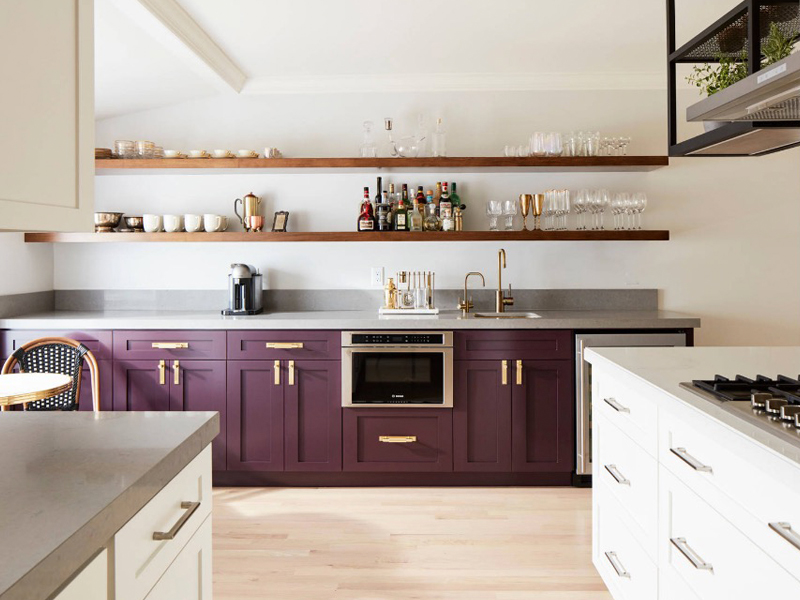 5 Stunning Examples of Two-Tone Kitchens to Inspire You