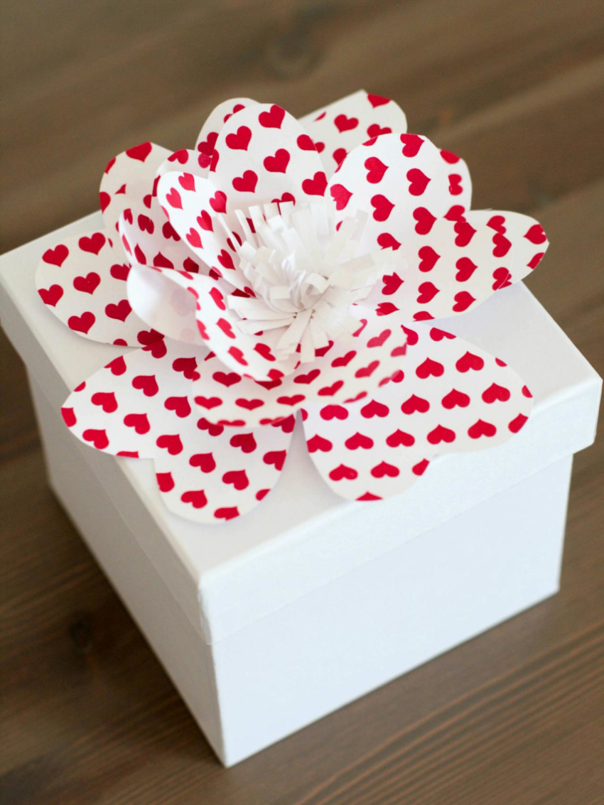 These also look perfect as gift toppers! Source: DIY Network