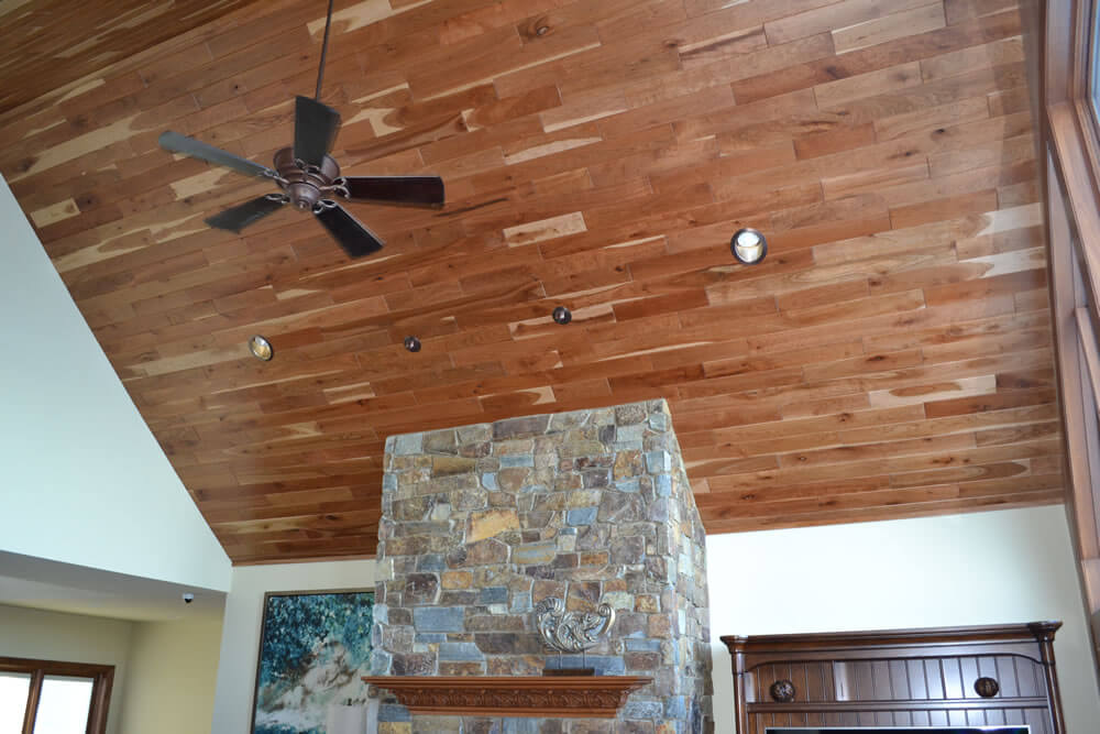 The best way to dress up ceilings with wood
