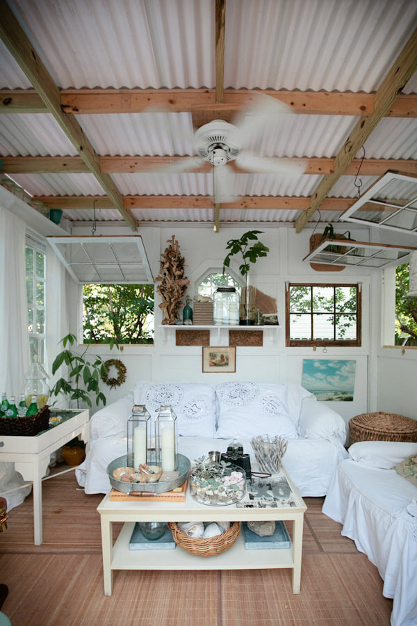Some of the best ways to dress up a mundane ceiling